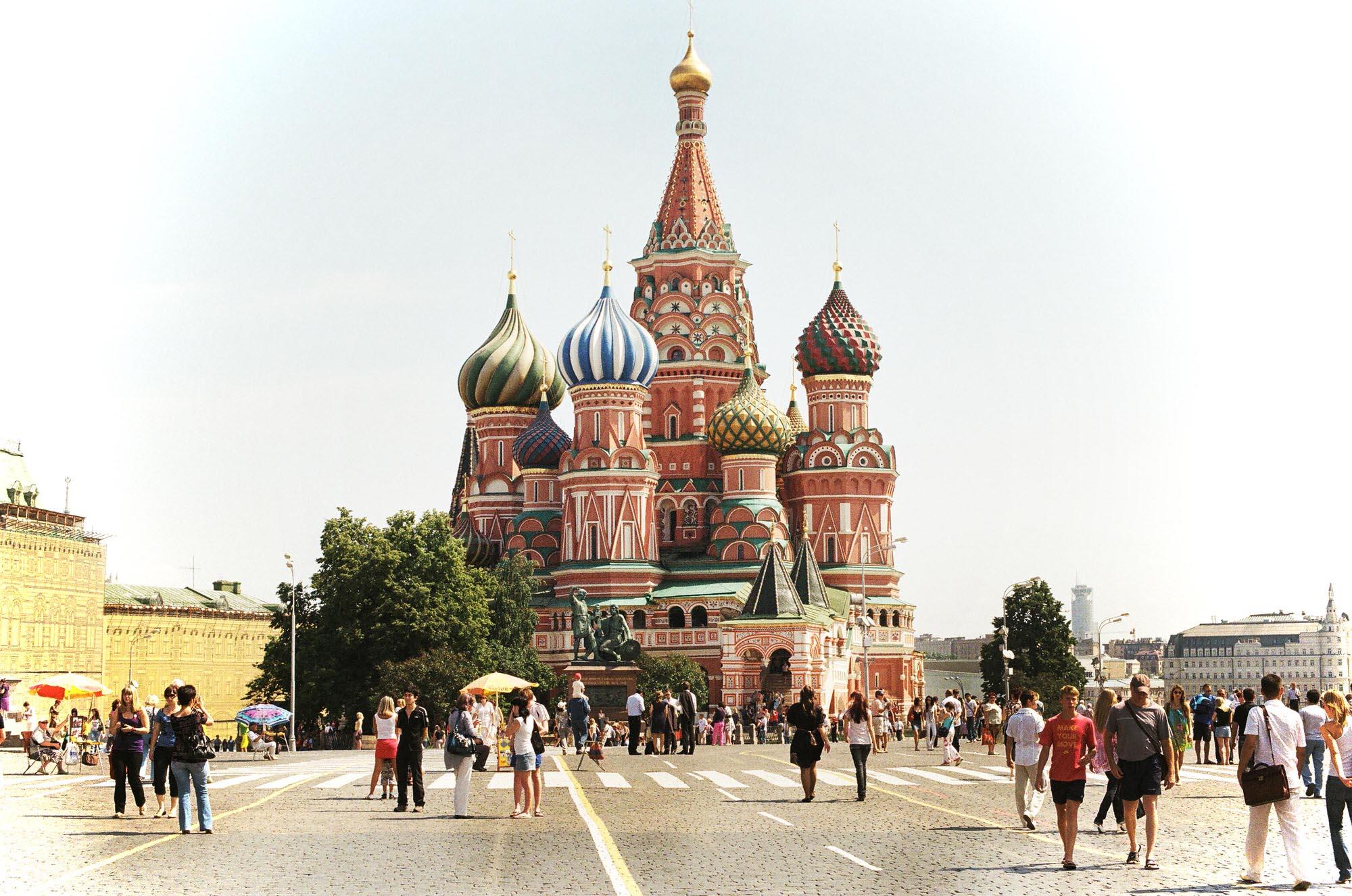 35mmPatrikWallner_Moscow_RedSquareProfileLOWQ