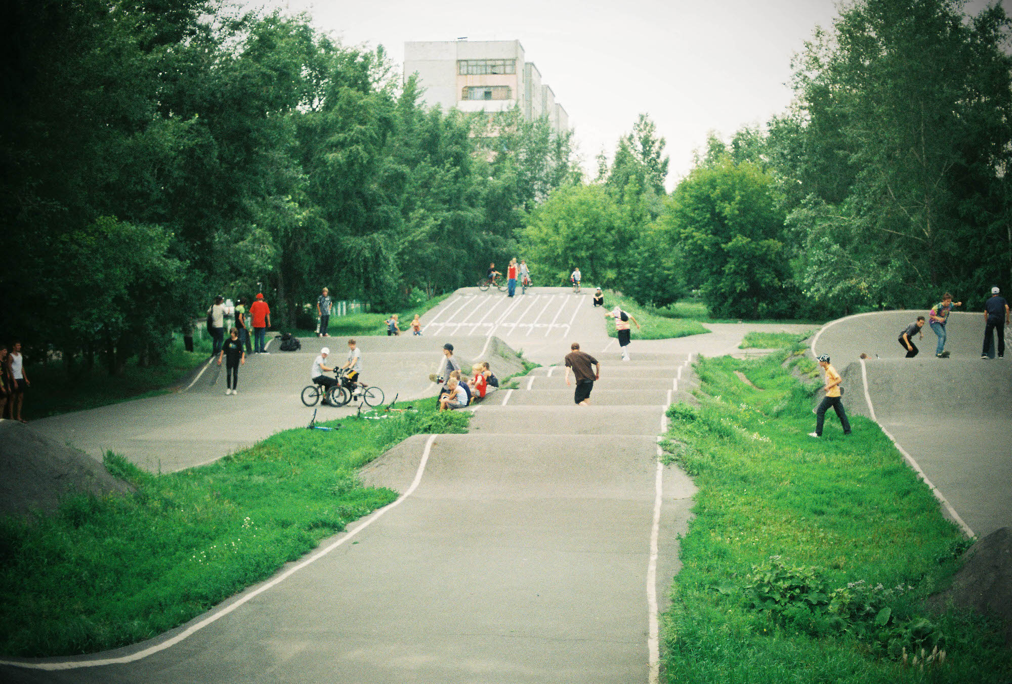 35mmPatrikWallner_Omsk_BikeRunLOWQ