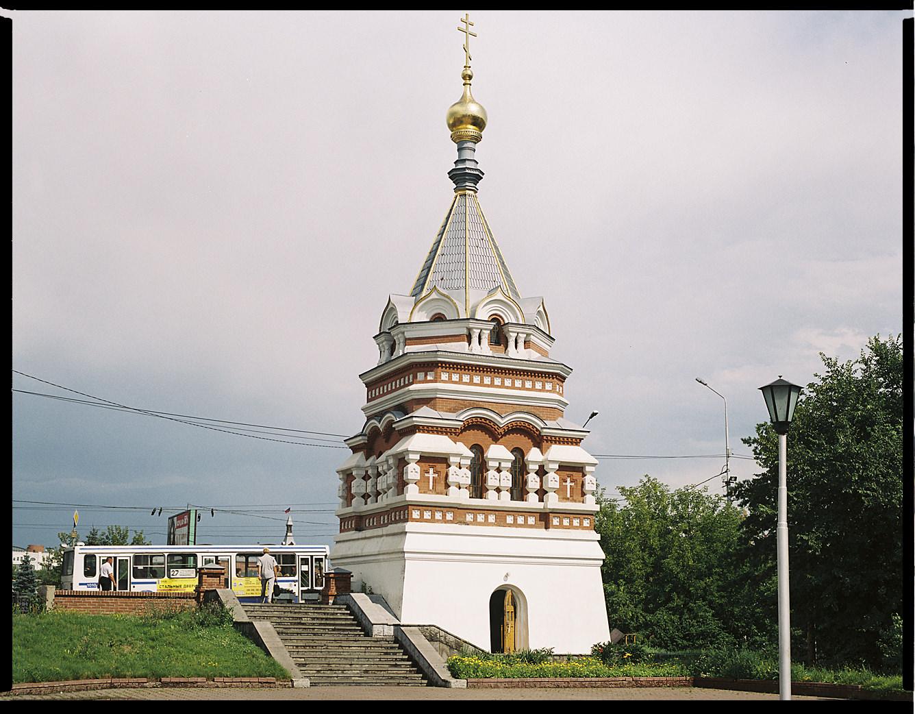 MediumFormatPatrikWallner_Omsk_BeautifulArticectureLOWQ