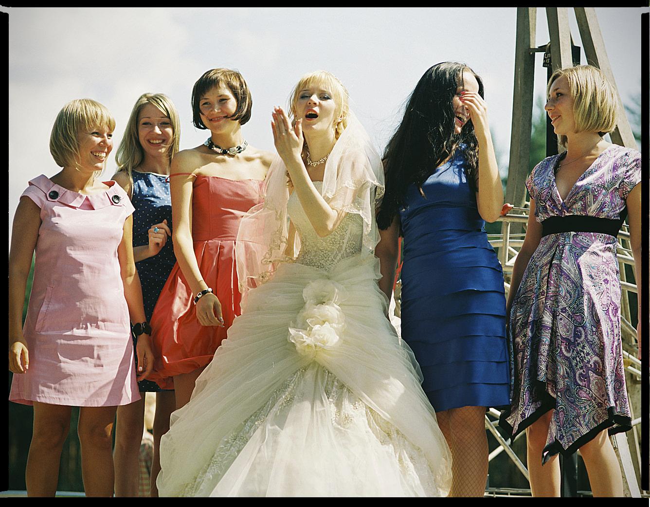 MediumFormatPatrikWallner_Yekaterinburg_WeddingGirlsLOWQ