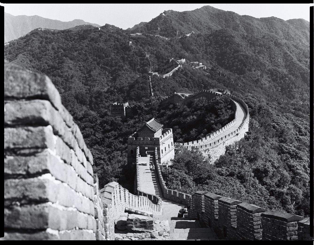 MediumFormatPatrikWallner_Beijing_GreatWallViewLOWQ