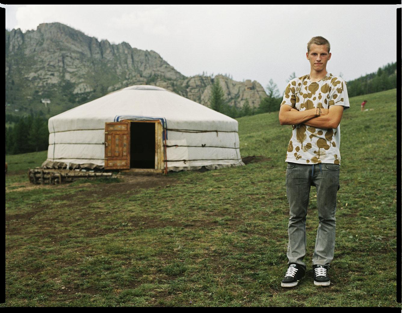 MediumFormatPatrikWallner_Mongolia_GerWithStasLOWQ-1