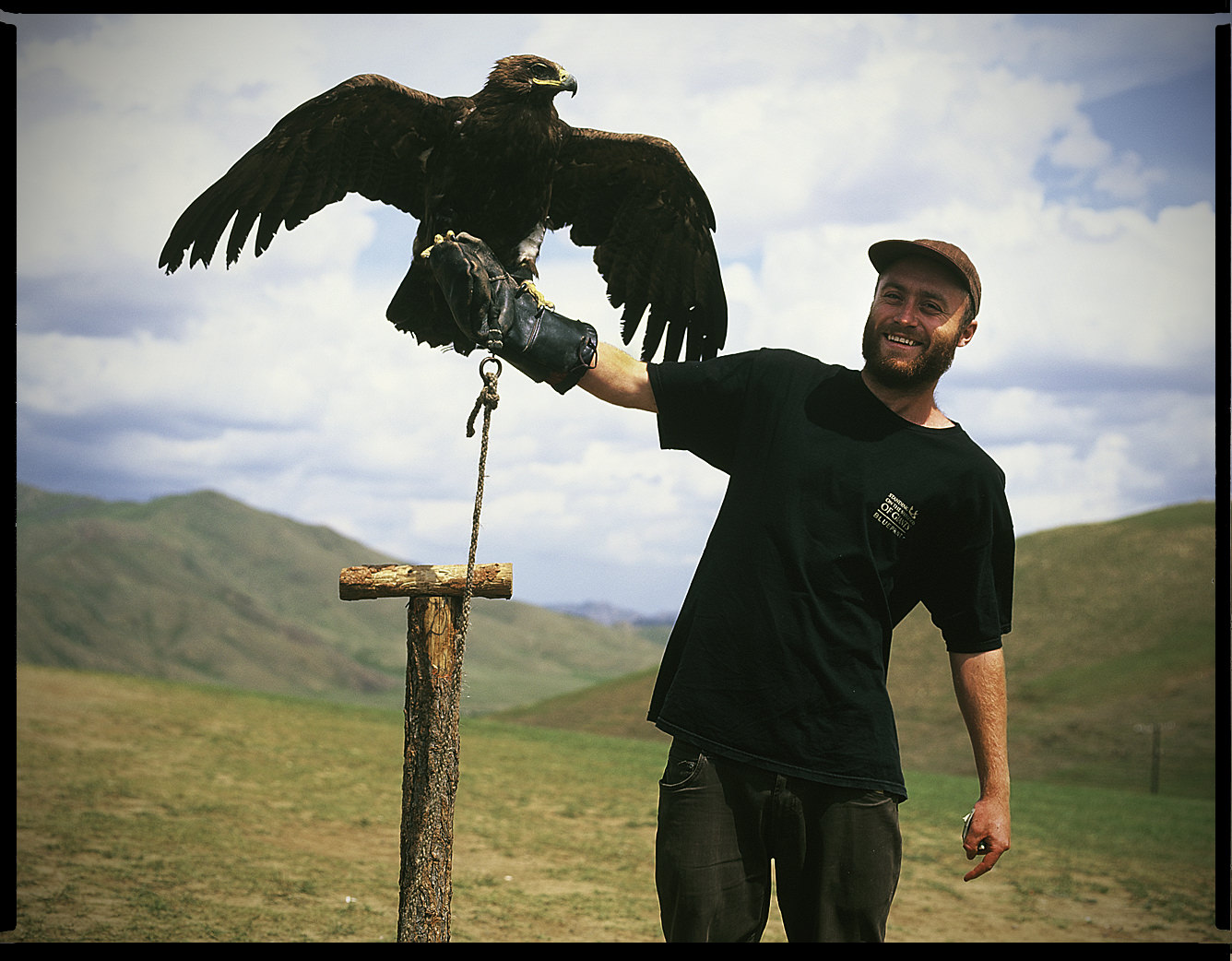 MediumFormatPatrikWallner_Mongolia_LaurenceHawkLOWQ-1