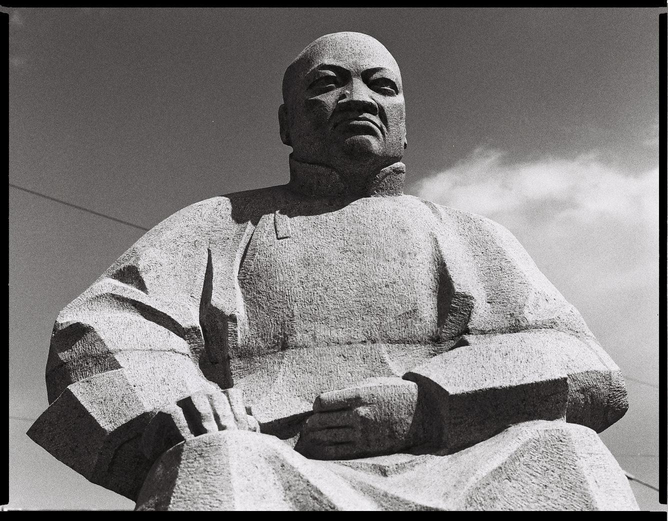 MediumFormatPatrikWallner_Mongolia_MrBusiness