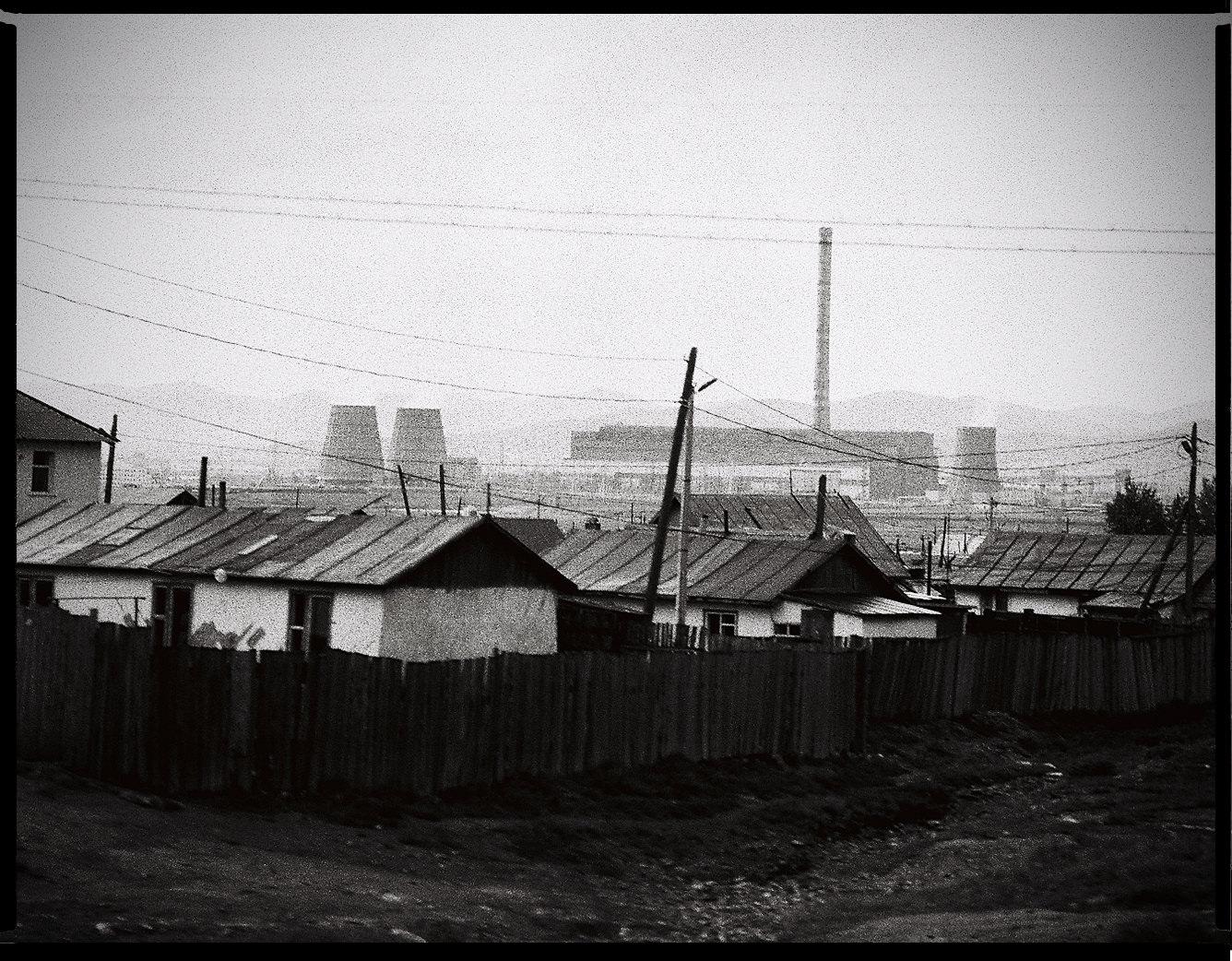 MediumFormatPatrikWallner_Mongolia_UlanBatorDamnLOWQ