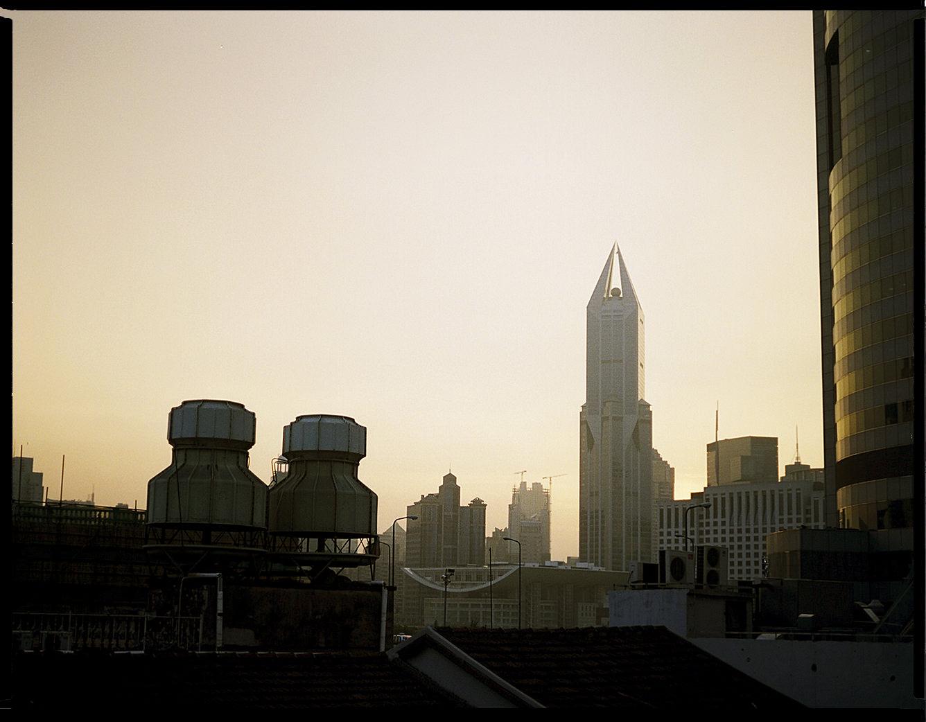 MediumFormatPatrikWallner_Shanghai_SundownShanghaiLOWQ