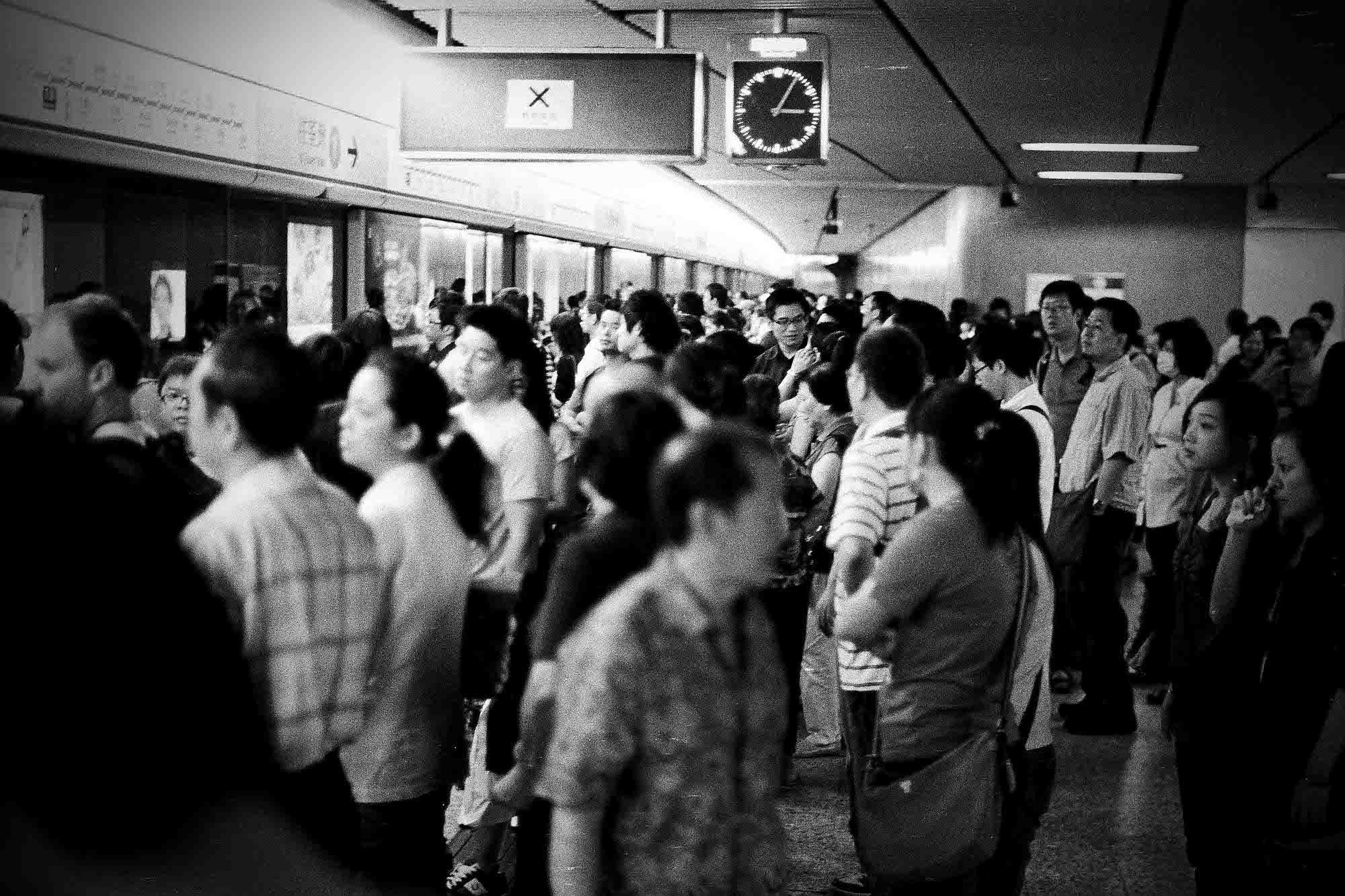 35mmPatrikWallner_HongKong_RushHourLOWQ