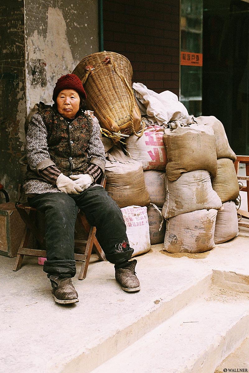 35mmPatrikWallner_Chengdu_GotSandLOWQ