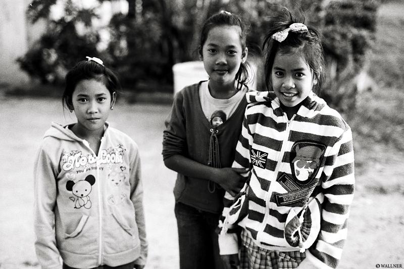 35mmPatrikWallner_Vientiane_LocalKidsLOWQ