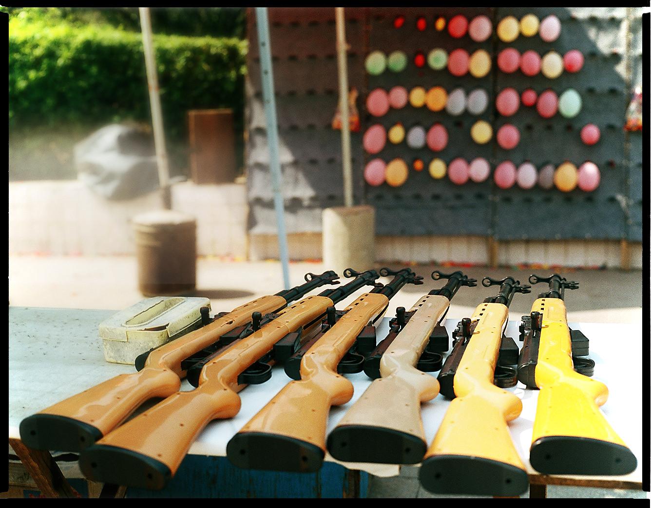 MediumFormatPatrikWallner_Qingyuan_ShootingGunsLOWQ