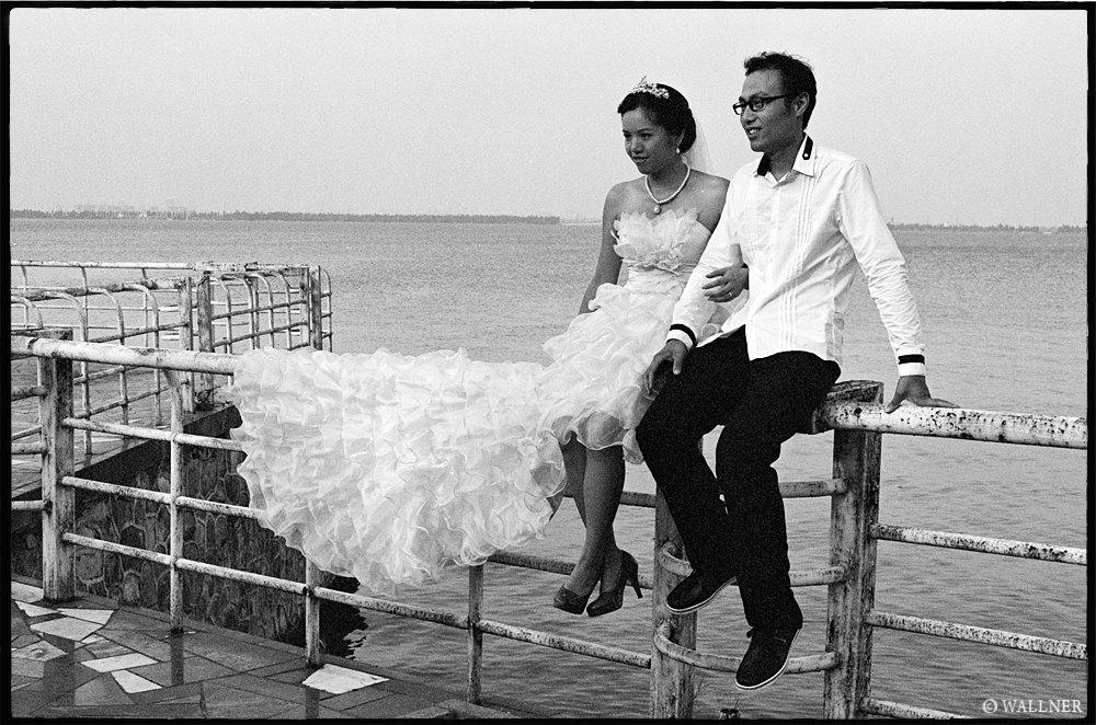 35mmPatrikWallner_Wuhan_MarriagesArePopularLOWQ