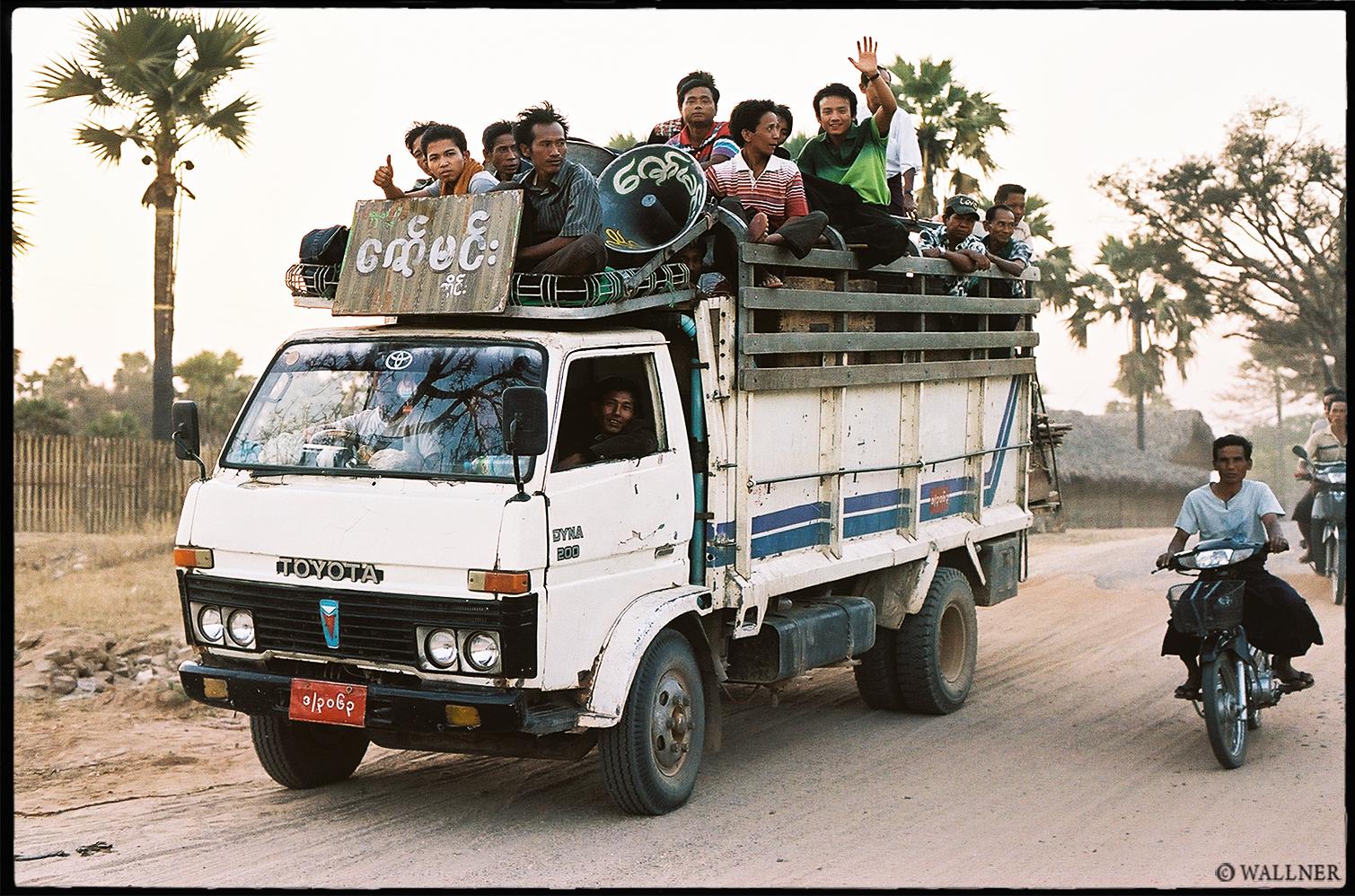 35mmPatrikWallner_Bagan_ToyotaDriveLOWQ