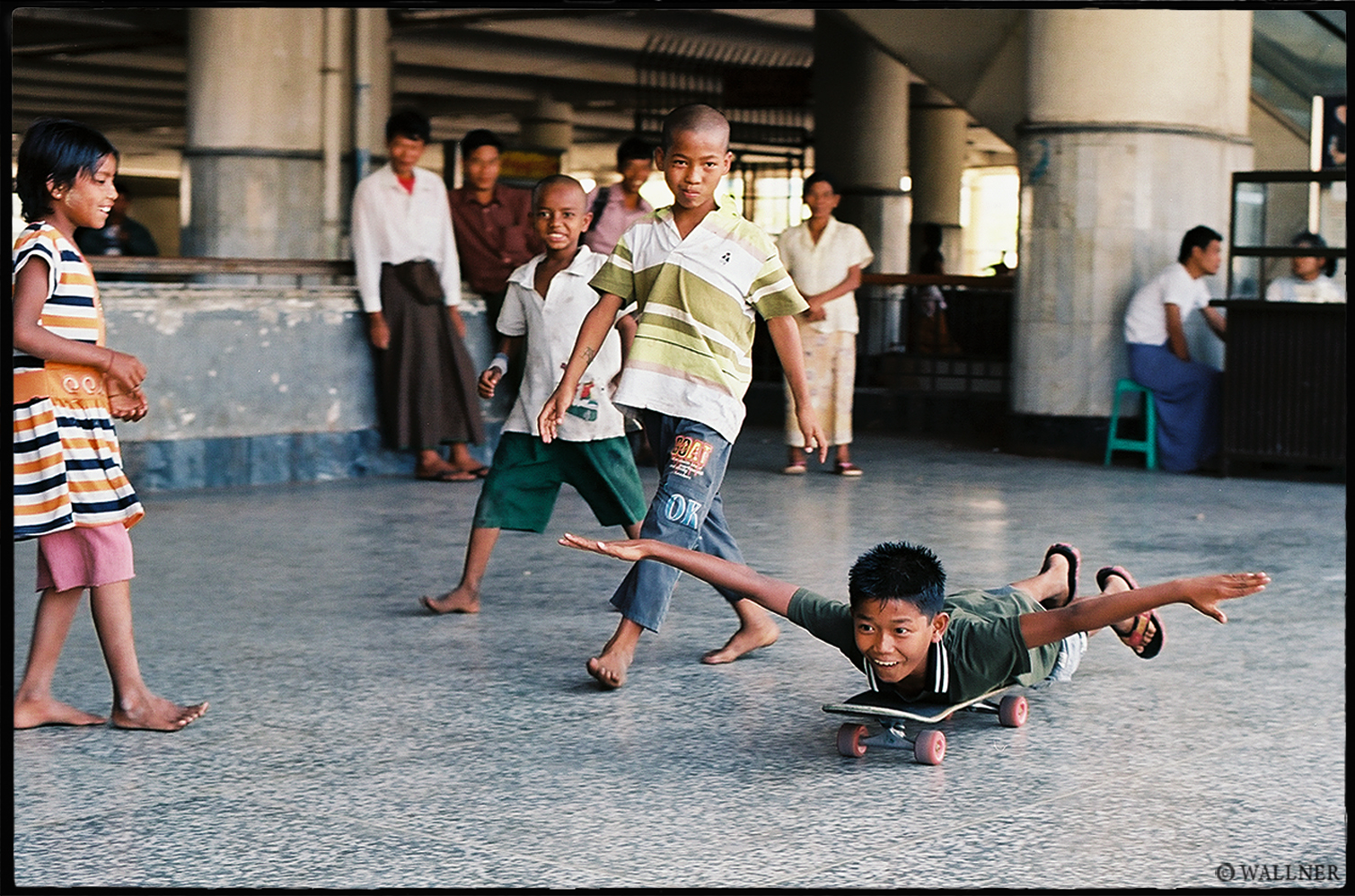 35mmPatrikWallner_Mandalay_SkateboardIntroductionToLife2LOWQ