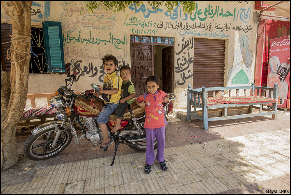 Digital Patrik Wallner Luxor Motorbike Kids LOWQ 1000P