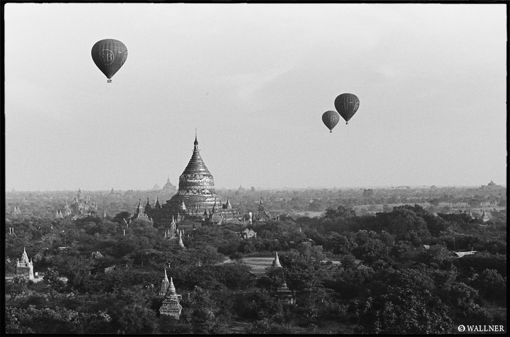 35mmPatrikWallner_Bagan_Ballooning2LOWQ1000P