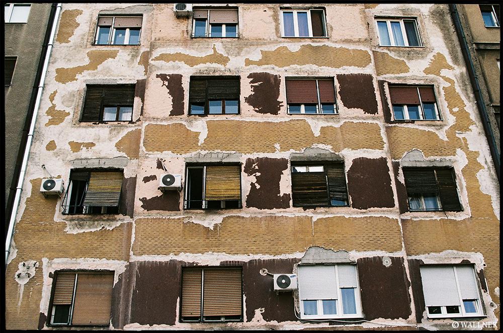 35mmPatrikWallner_Belgrade_WindowsLOWQ1000P