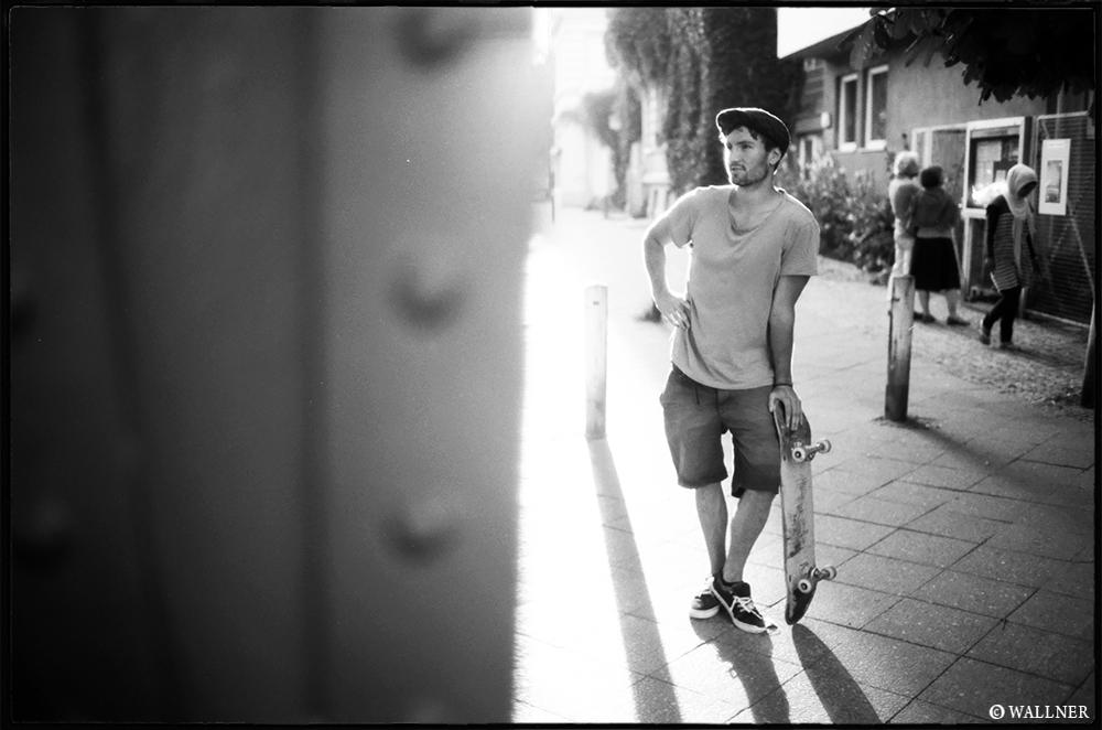 35mmPatrikWallner_Berlin_IlluminatedTobsterLOWQ1000P