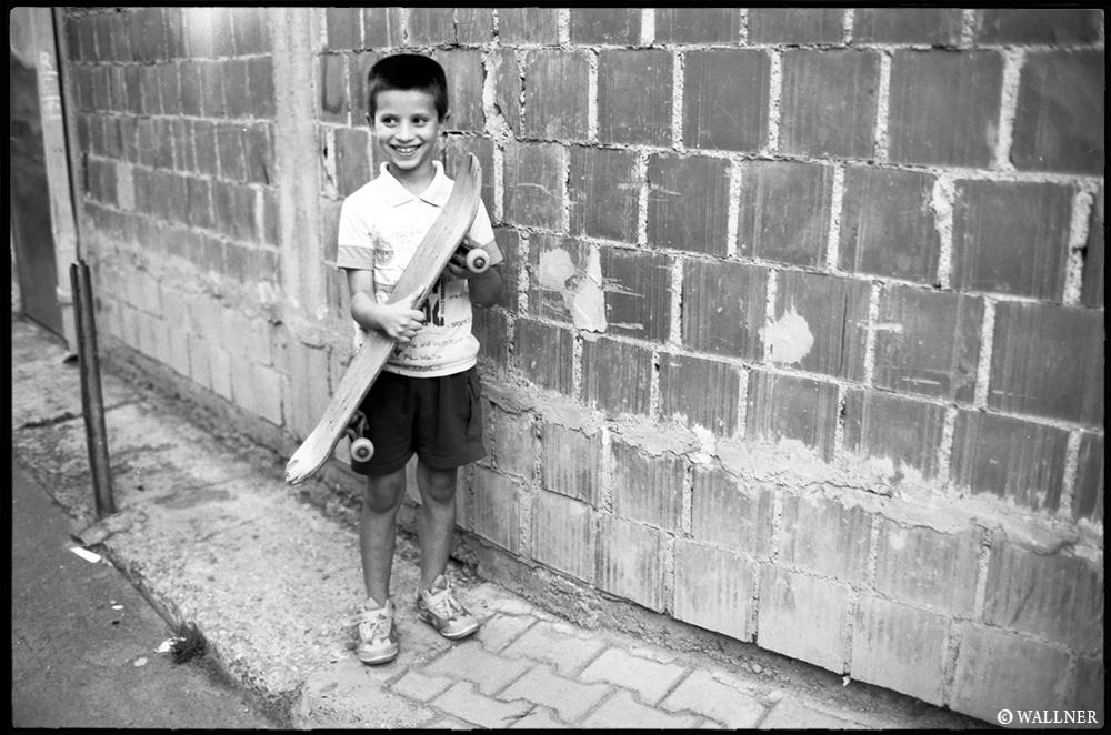 35mmPatrikWallner_Kosovo_YouthOfKosovoLOWQ1000P