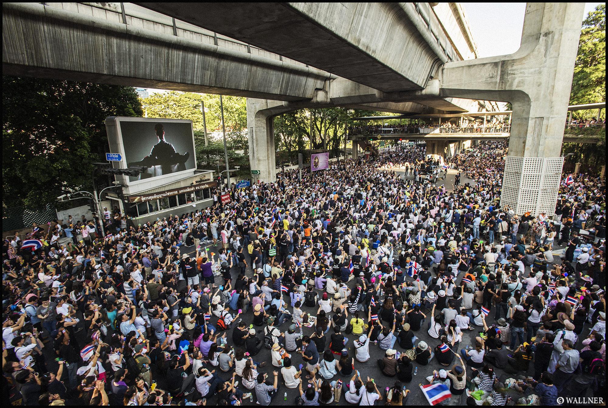 Digital Patrik Wallner Bangkok V Day At Siam LOWQ 2000P w WM