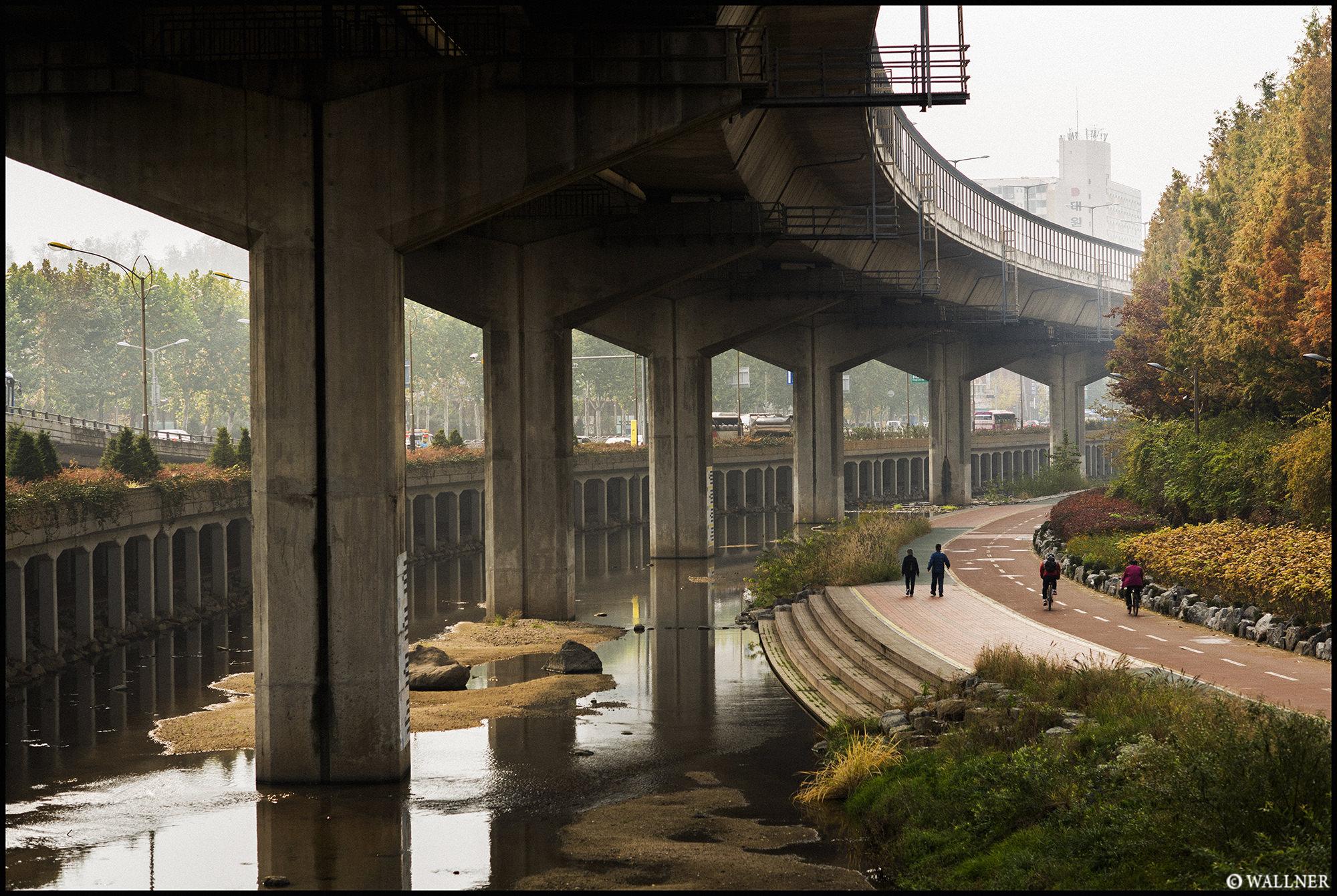 Digital Patrik Wallner Seoul Under The Bridge LOWQ 2000P w WM