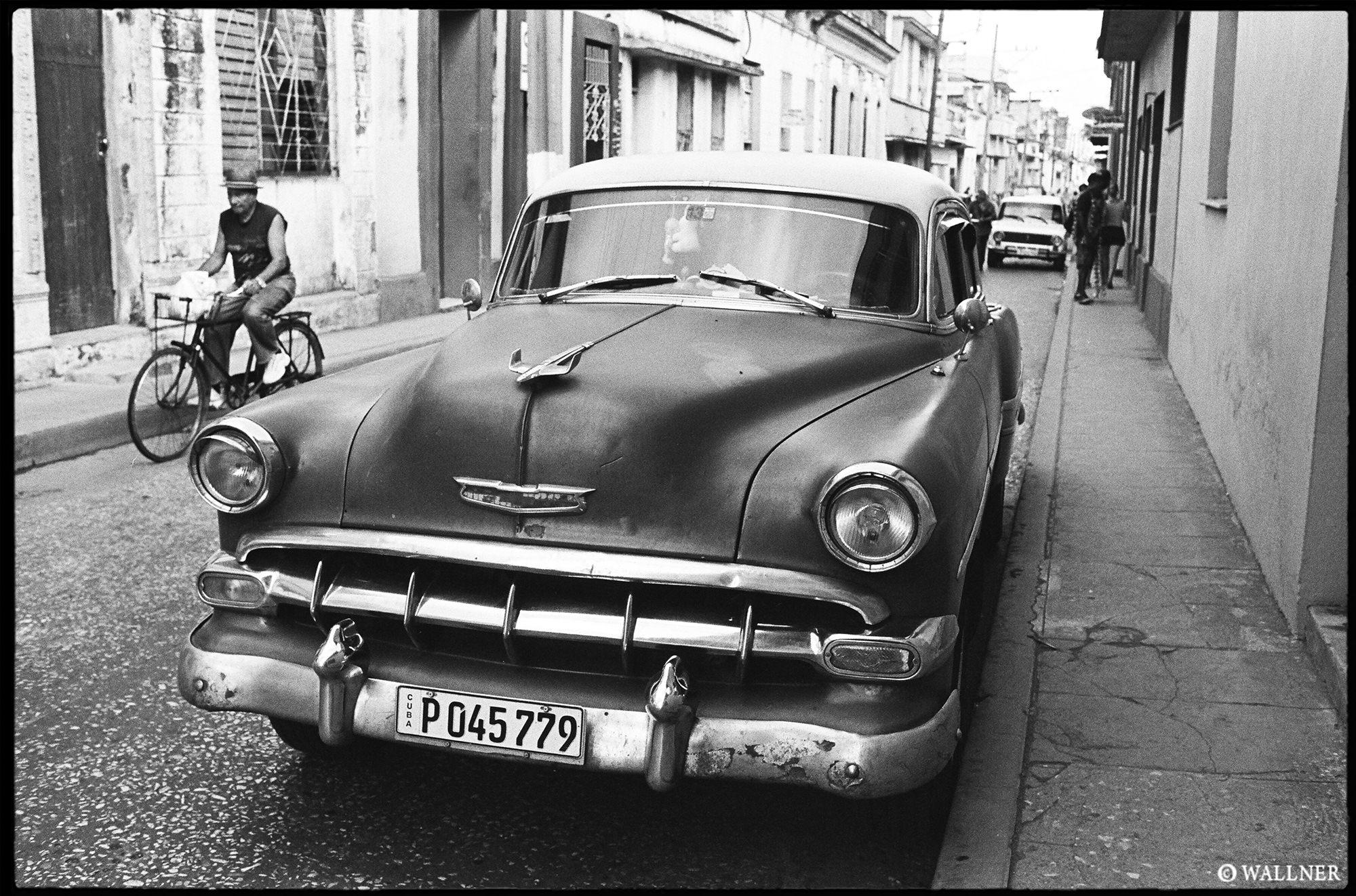 35mmPatrikWallner_Santa Clara_1950 LOWQ 2000P w WM