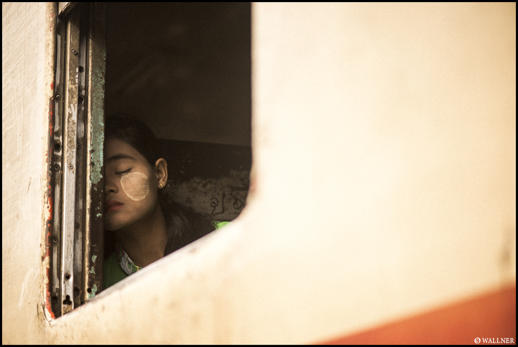 Digital Patrik Wallner Yangon Sleepy Window LOWQ 2000P w WM