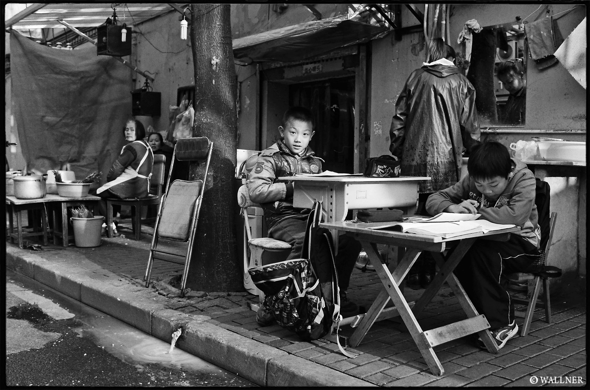 35mmPatrikWallner_Shanghai_Homework LOWQ 2000P