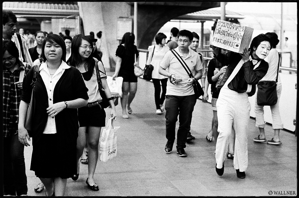 35mmPatrikWallner_Bangkok_FundRaisingForJapanLOWQ1000P