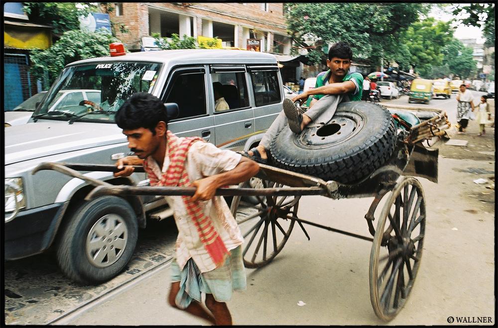 35mmPatrikWallner_Calcutta_OnTyresLOWQ1000P