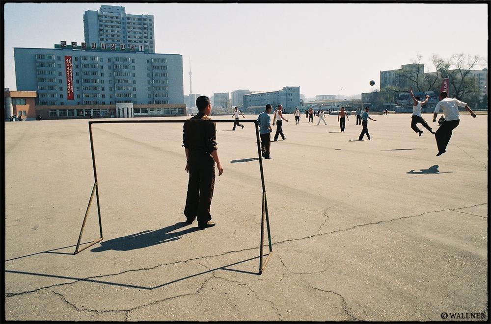 35mmPatrikWallner_Pyongyang_FootballLOWQ1000P