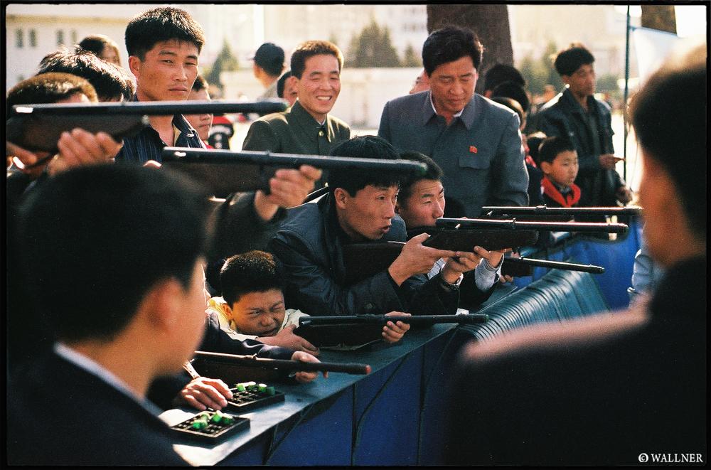 35mmPatrikWallner_Pyongyang_PractiseLOWQ1000P
