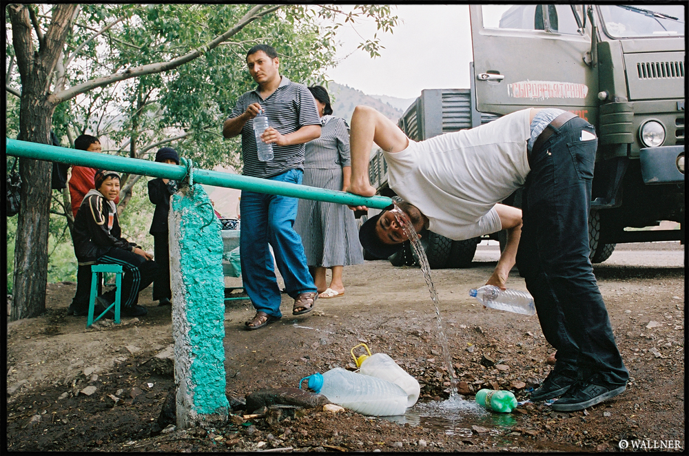 35mmPatrikWallner_ToTashkent_FreshWaterLOWQ1000P
