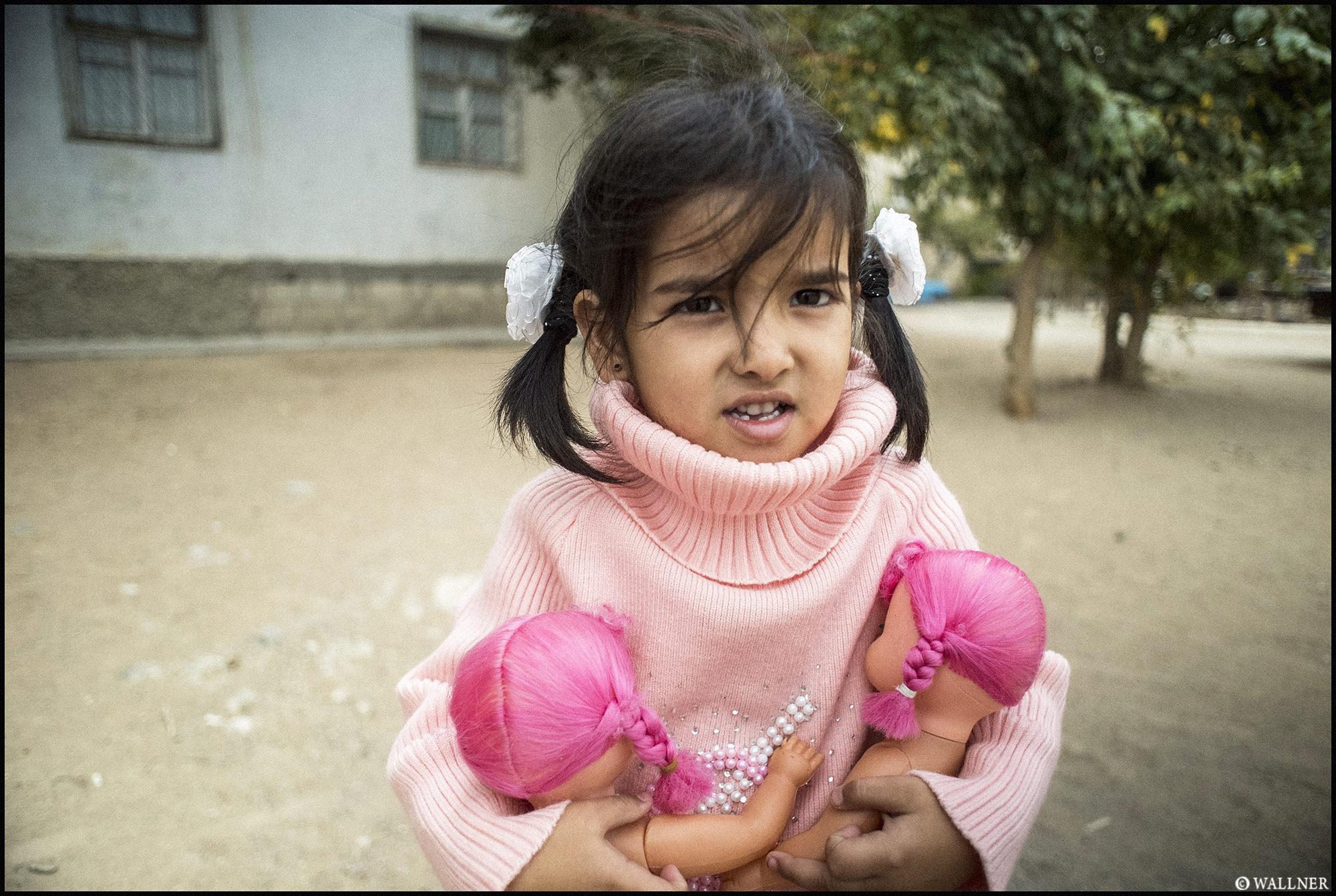 Digital Patrik Wallner Turkmenbashi Pink Hair Dolls LOWQ 2000P