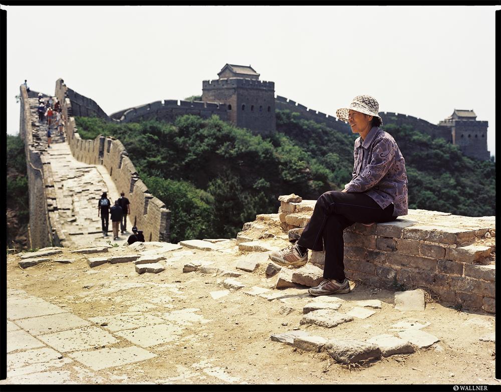 MediumFormatPatrikWallner_Beijing_GreatWallHawkerLOWQ1000P