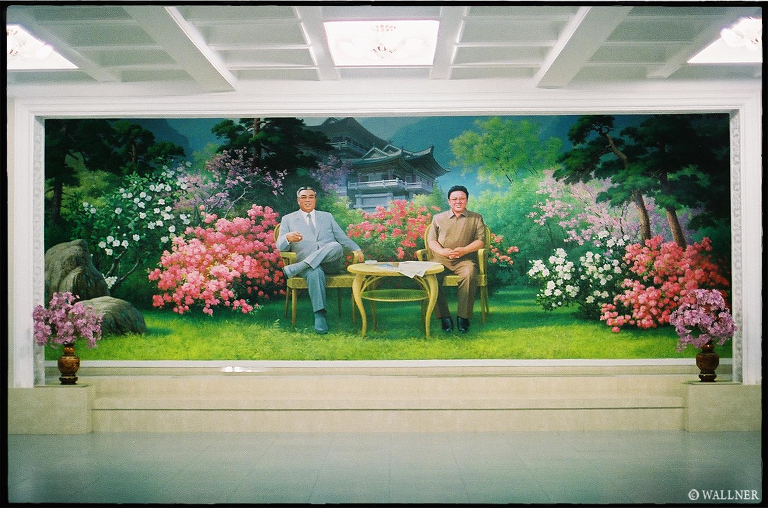 35mmPatrikWallner_Pyongyang_HotelWelcomeWideLOWQ