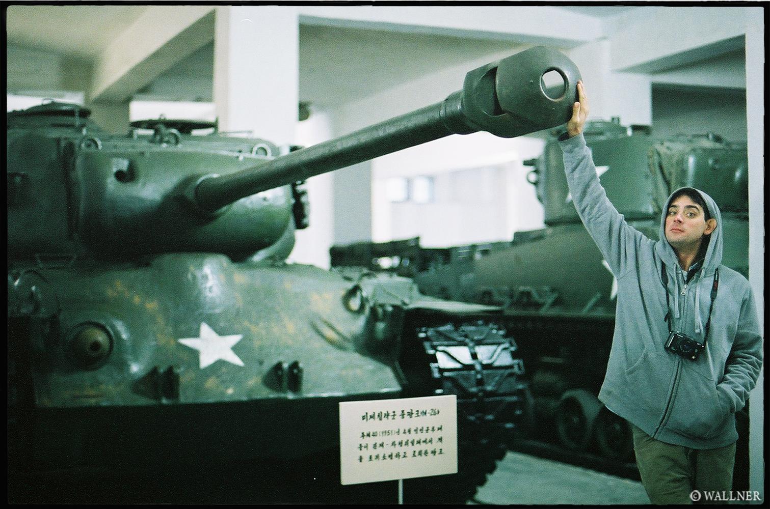 35mmPatrikWallner_Pyongyang_TankLOWQ