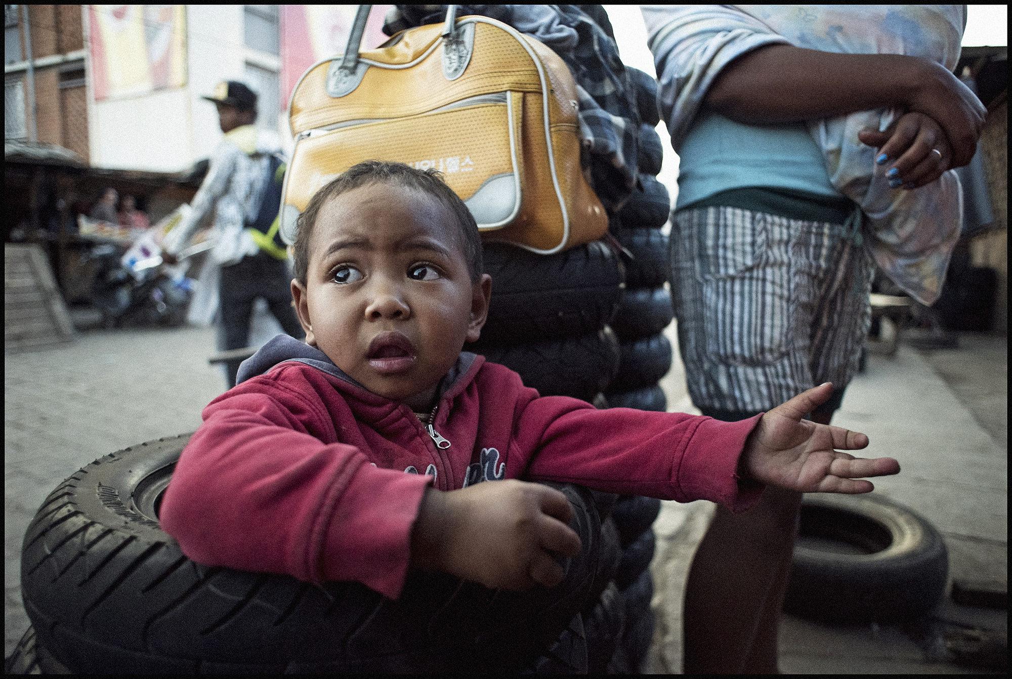 Digital Patrik Wallner Antananarivo In the Wheel LOWQ 2000P
