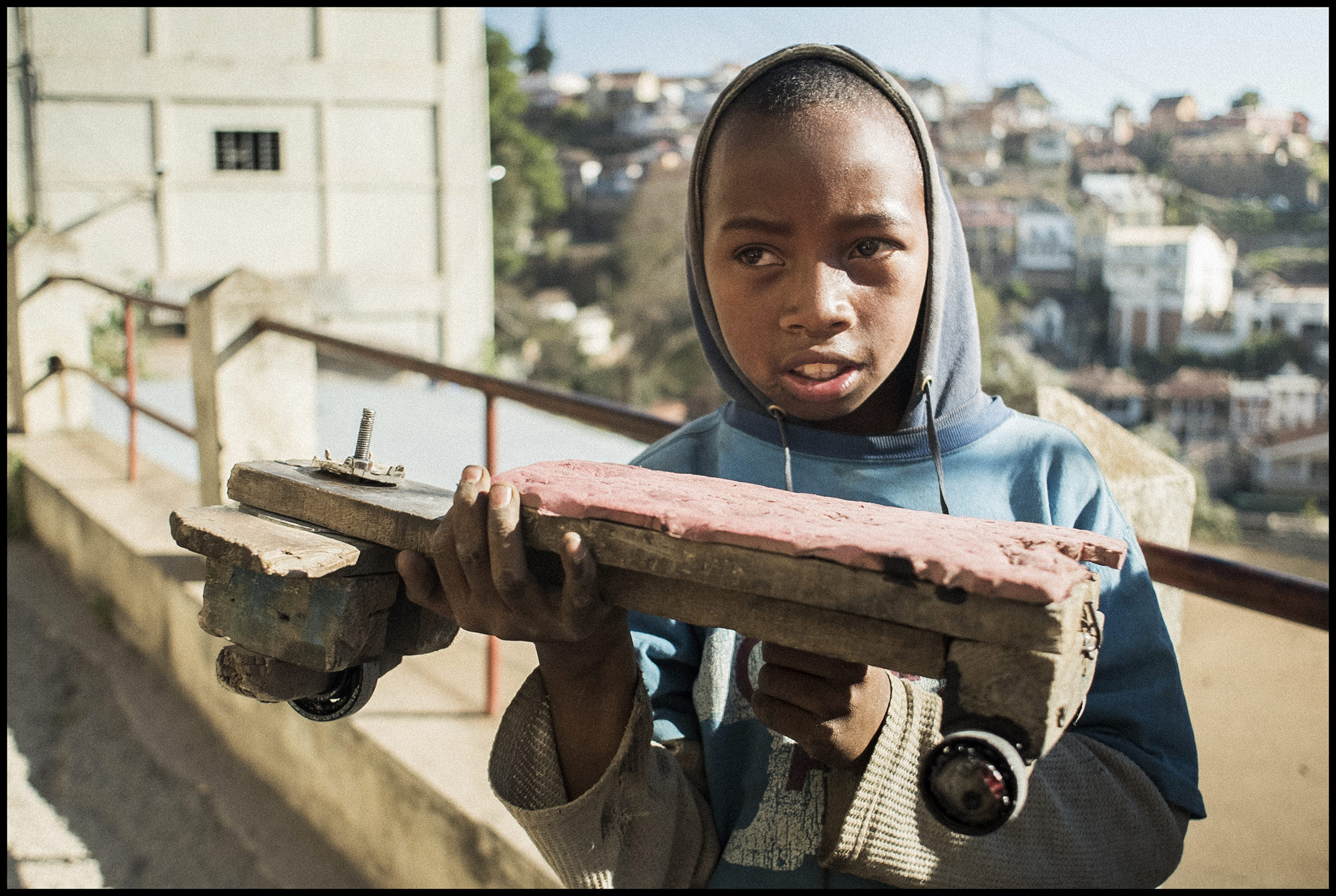 Digital Patrik Wallner Antananarivo Magagasy Skateboard LOWQ 2000P