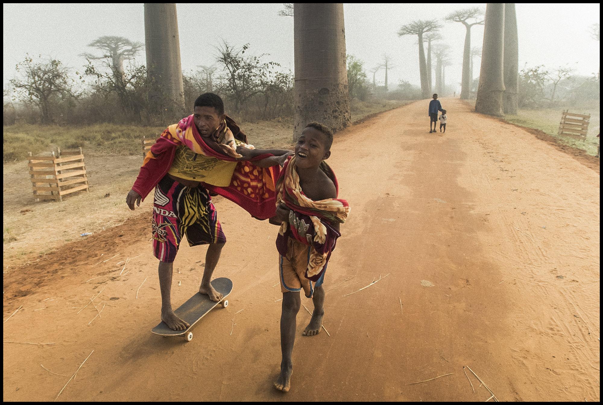 Digital Patrik Wallner Baobab Ethnic Pushing LOWQ 2000P