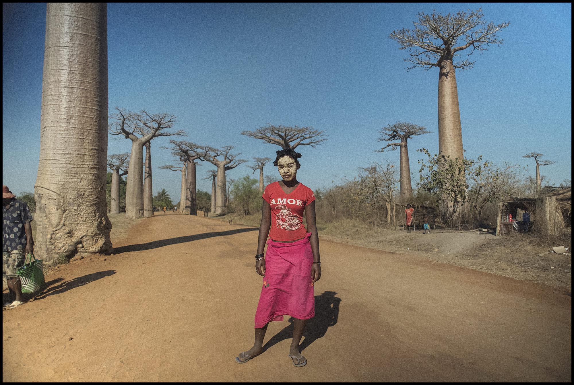 Digital Patrik Wallner Baobabs Tree growing out of hair lady LOWQ 2000P