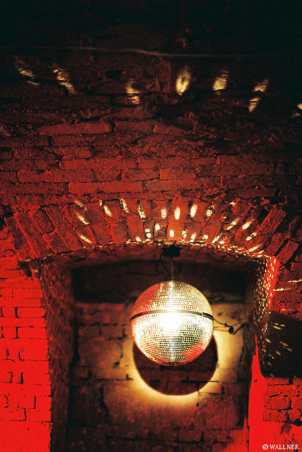 35mmPatrikWallner_Budapest_DiscoDownstairstLOWQ