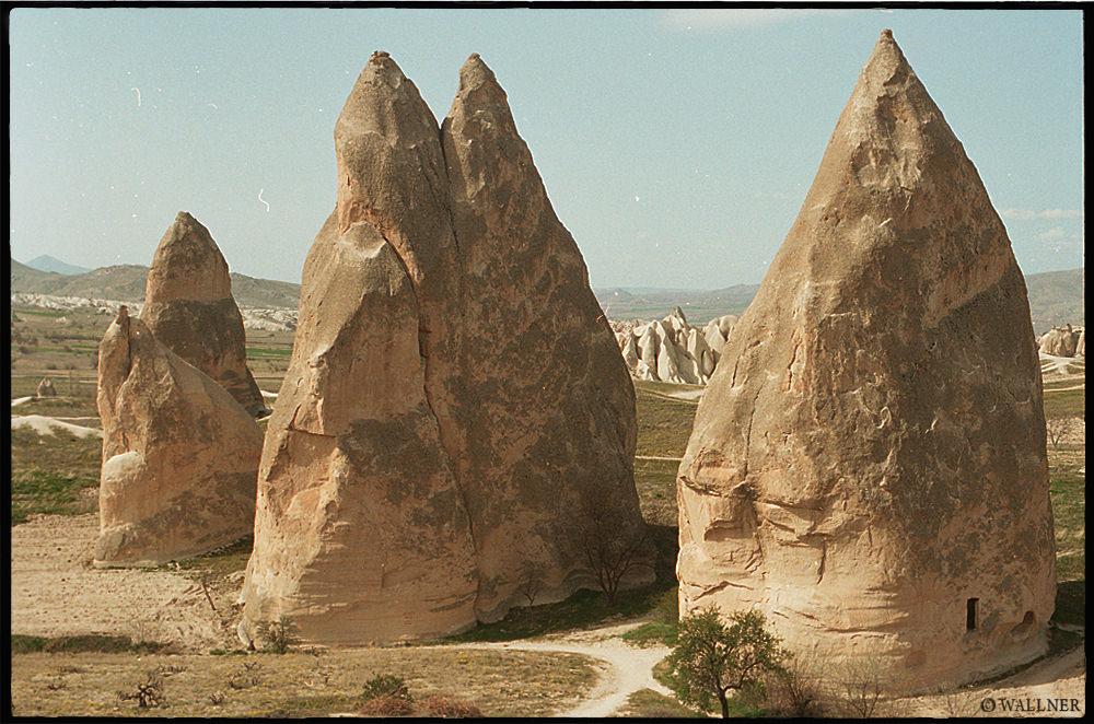35mmPatrikWallner_Cappadocia_ThreeRocksLOWQ