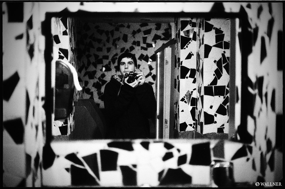 35mmPatrikWallner_Istanbul_ToiletSelfPortraitLOWQ2