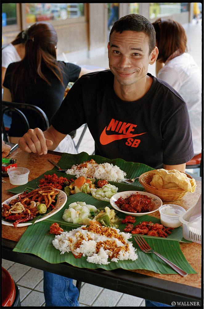 35mmPatrikWallner_KualaLumpur_FoodPoisoningLOWQ