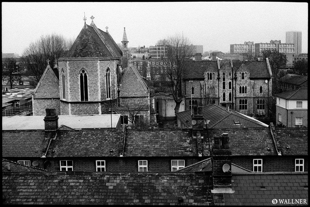 35mmPatrikWallner_London_WindowView1000P