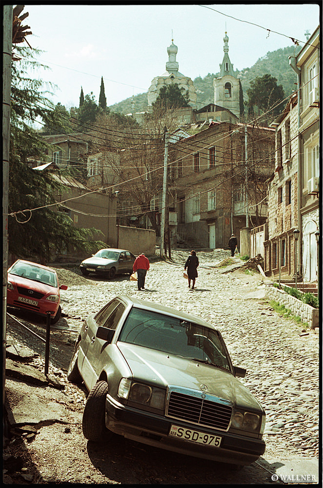 35mmPatrikWallner_Tbilisi_RoughStreetLOWQ