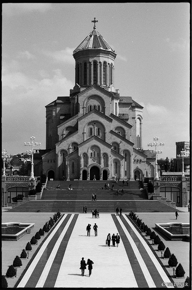 35mmPatrikWallner_Tbilisi_SamebaBW_LOWQ