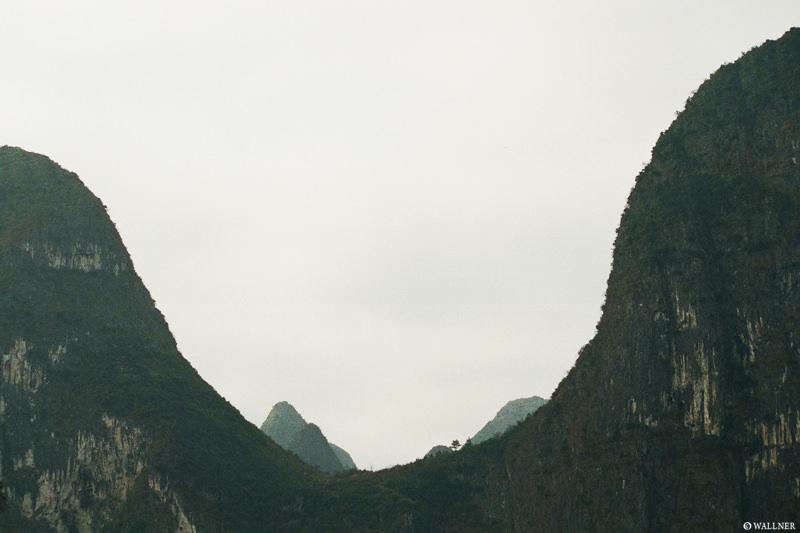 35mmPatrikWallner_ToYangshou_MountainHalfPipeLOWQ