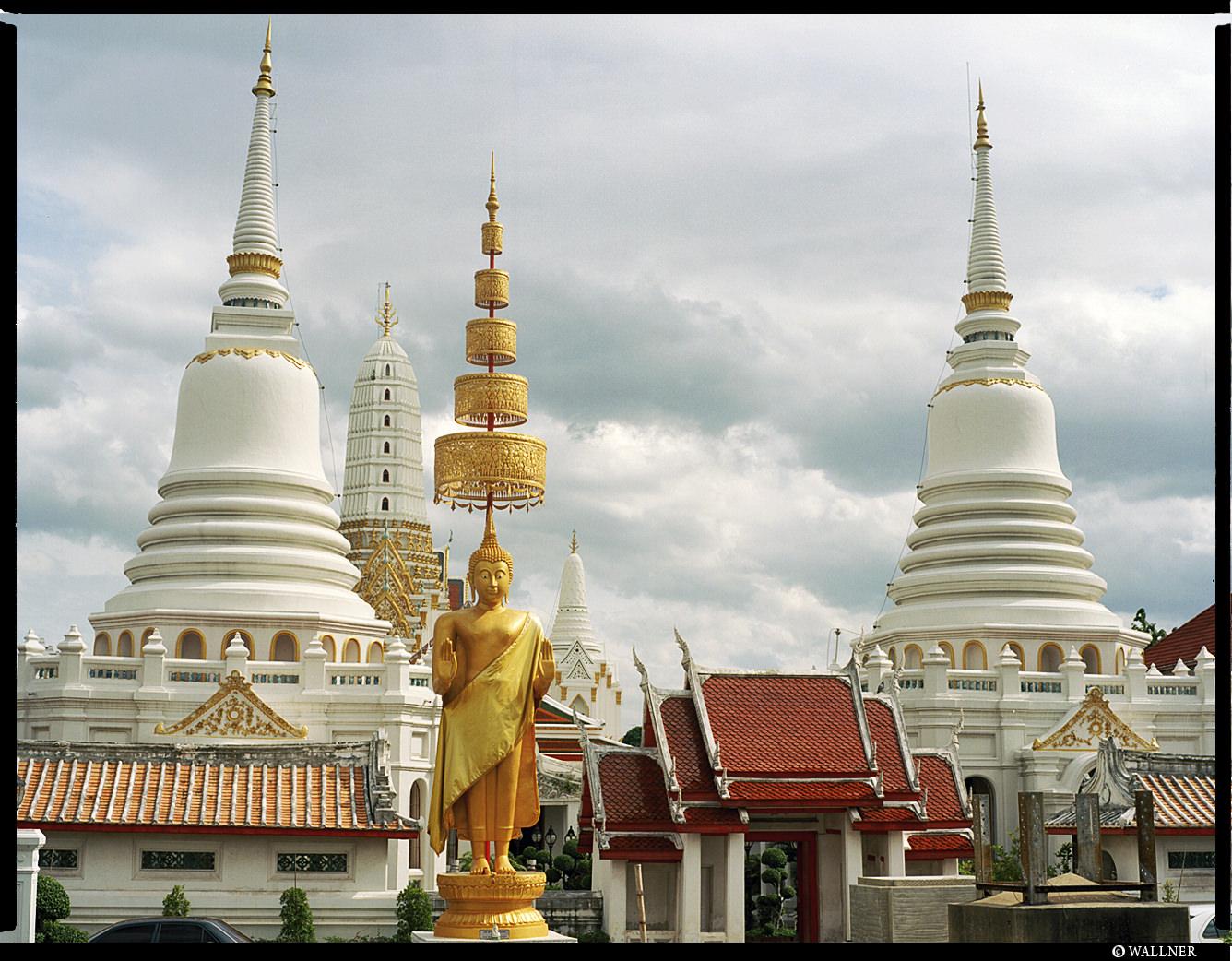MediumFormatPatrikWallner_Bangkok_WelcomeToThailandLOWQ