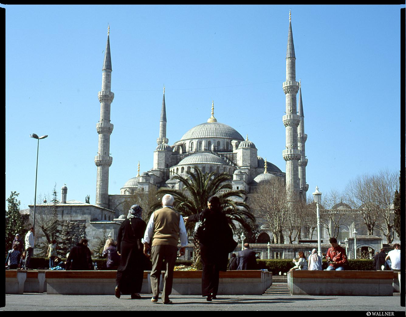 MediumFormatPatrikWallner_Istanbul_BlueMosqueAndSky_LOWQ